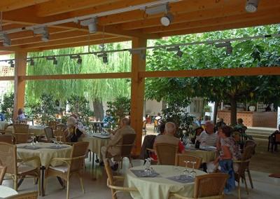 Restaurant 09